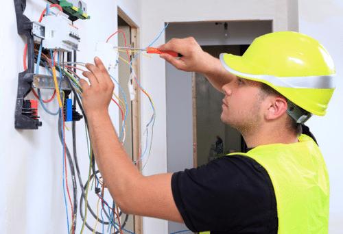 تعمیر کار برق ساختمان